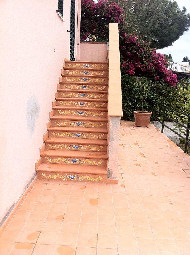 Il cotto napoletano ceramiche il pavone antica ceramica vietrese - Cotto per scale ...